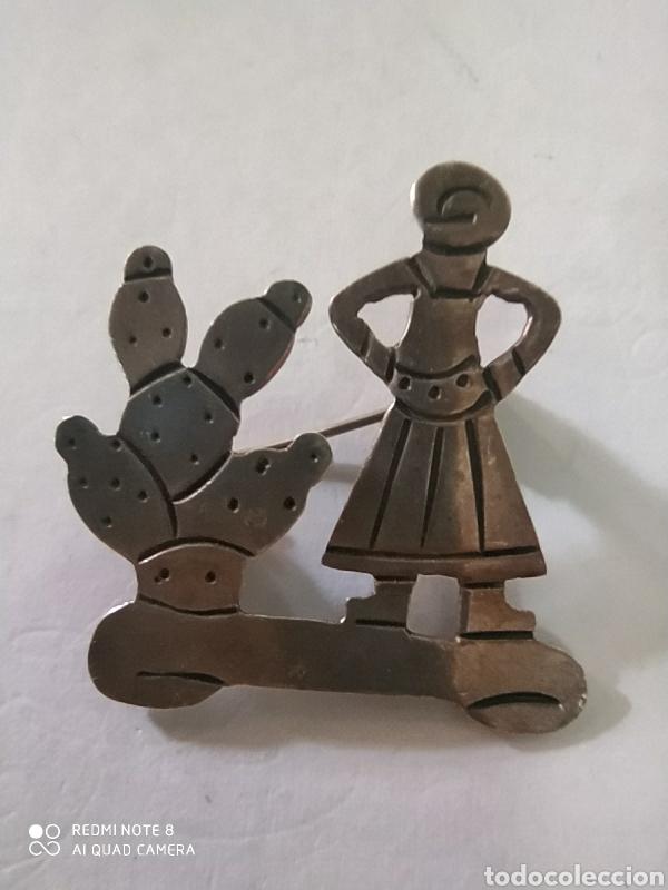 EXCELENTE BROCHE MUJER CAMPESINA PLATA DE LEY 925 ANTIGUO ART DECO (Joyería - Broches Antiguos)