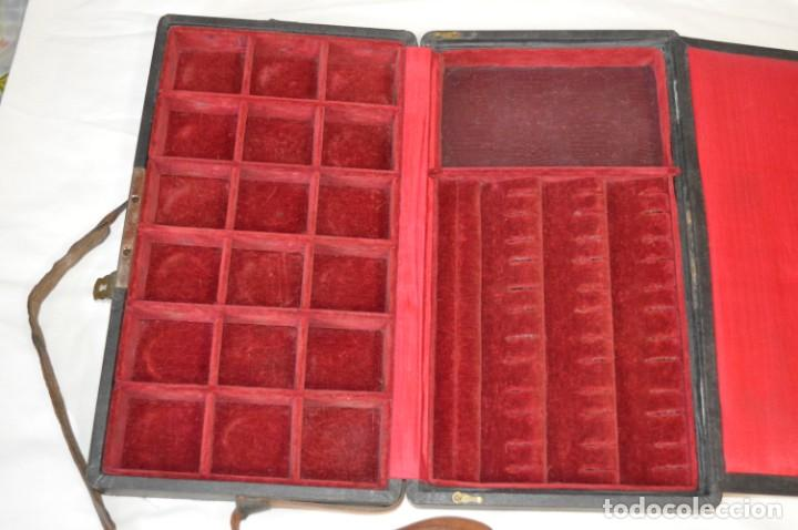 Joyeria: Vintage - CAJA / ESTUCHE - Muestrario portátil de venta ambulante de joyas / AÑOS 50/60 ¡Mira, raro! - Foto 4 - 260816365