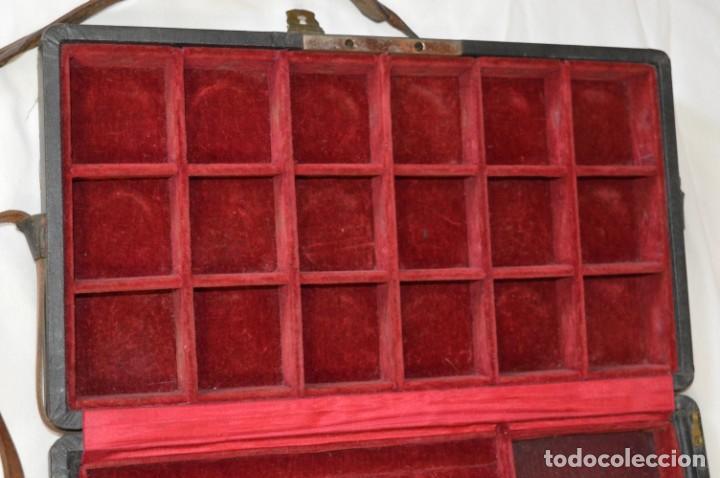 Joyeria: Vintage - CAJA / ESTUCHE - Muestrario portátil de venta ambulante de joyas / AÑOS 50/60 ¡Mira, raro! - Foto 6 - 260816365