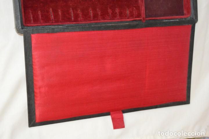 Joyeria: Vintage - CAJA / ESTUCHE - Muestrario portátil de venta ambulante de joyas / AÑOS 50/60 ¡Mira, raro! - Foto 8 - 260816365