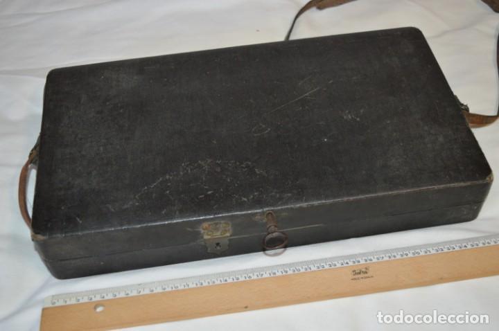 Joyeria: Vintage - CAJA / ESTUCHE - Muestrario portátil de venta ambulante de joyas / AÑOS 50/60 ¡Mira, raro! - Foto 10 - 260816365
