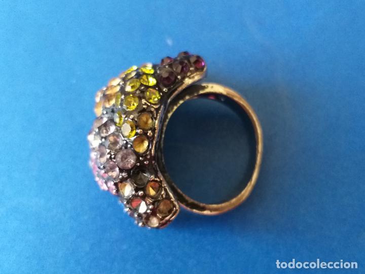 Joyeria: Anillo o sortija. Metal y piedras de diferentes colores. Diámetro 1,5 cm - Foto 6 - 261151465