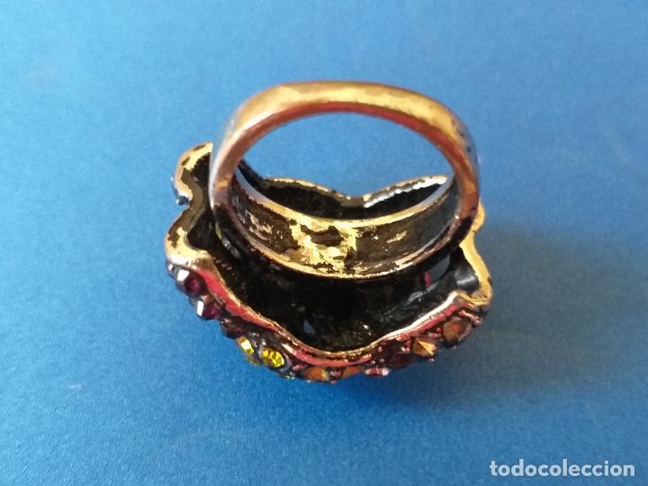 Joyeria: Anillo o sortija. Metal y piedras de diferentes colores. Diámetro 1,5 cm - Foto 10 - 261151465