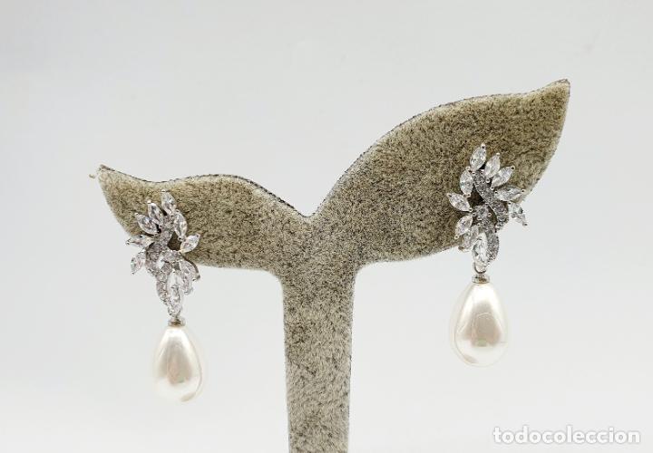 Joyeria: Elegantes pendientes para novia chapados en oro blanco de 18k, circonitas talla marqués y perlas . - Foto 6 - 270105303