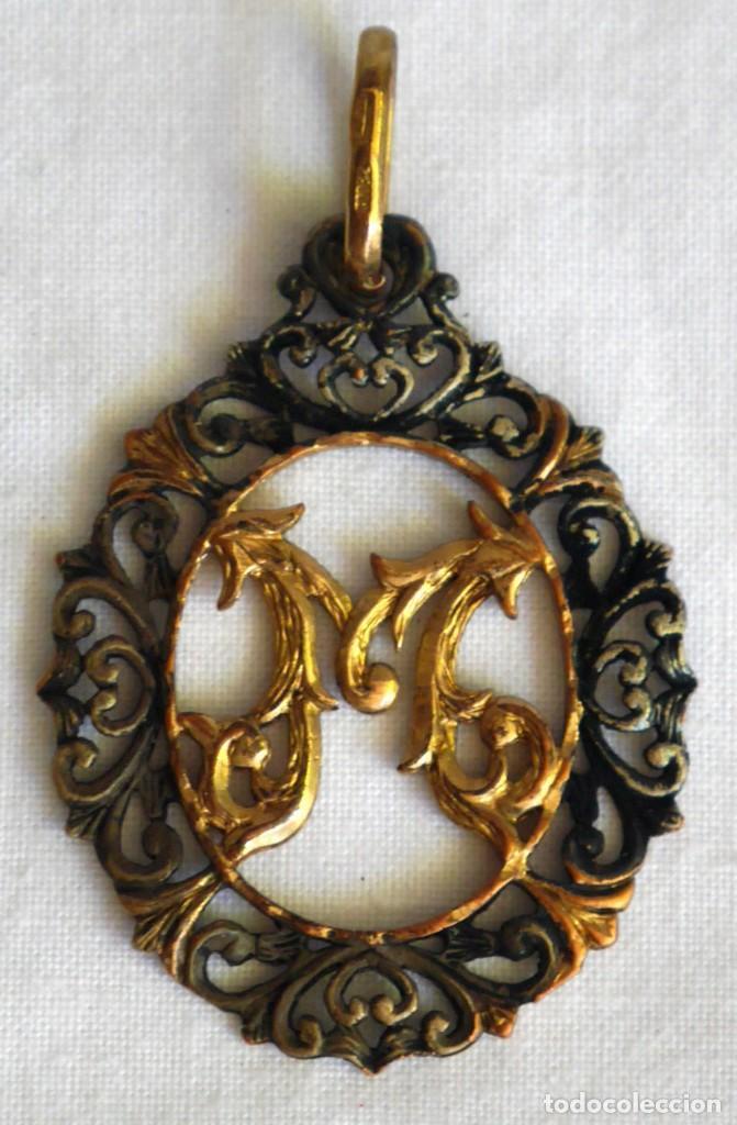 Joyeria: Antiguo colgante de plata dorada letra M - Foto 2 - 273305498