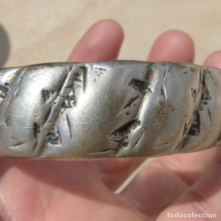 Joyeria: Antiguo brazalete macizo y muy pesado , india o tibet ? , posiblemente plata? , 166 gr - Foto 4 - 275509173