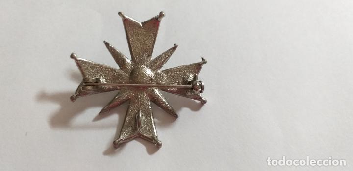 Joyeria: Broche en forma de cruz. Metal plateado, con marquesita y perla. 4,5 cm de diámetro - Foto 4 - 275554243