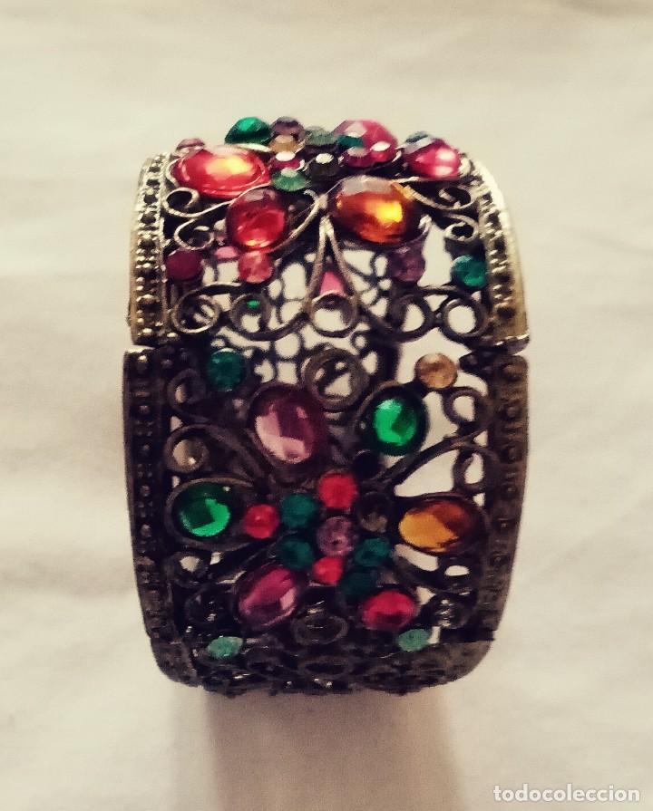 Joyeria: Antiguo brazalete, pulsera de metal color bronce Decorado con minúsculas y desiguales piedras.. - Foto 5 - 275693333