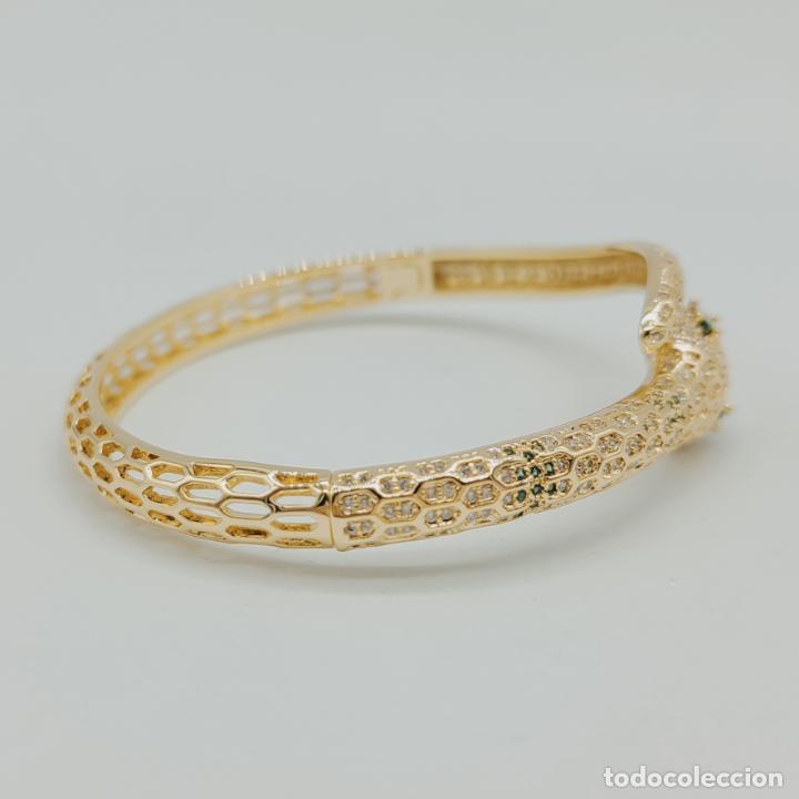 Joyeria: Elegante brazalete de lujo con forma de serpiente chapada en oro 18k y cuajado de circonitas . - Foto 5 - 277501123