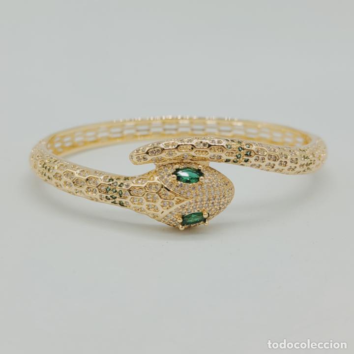 Joyeria: Elegante brazalete de lujo con forma de serpiente chapada en oro 18k y cuajado de circonitas . - Foto 6 - 277501123