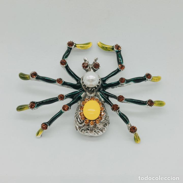 Joyeria: Gran broche colgante tarántula con acabados en plata, esmaltes al fuego, pedrería y perla . - Foto 2 - 277763083