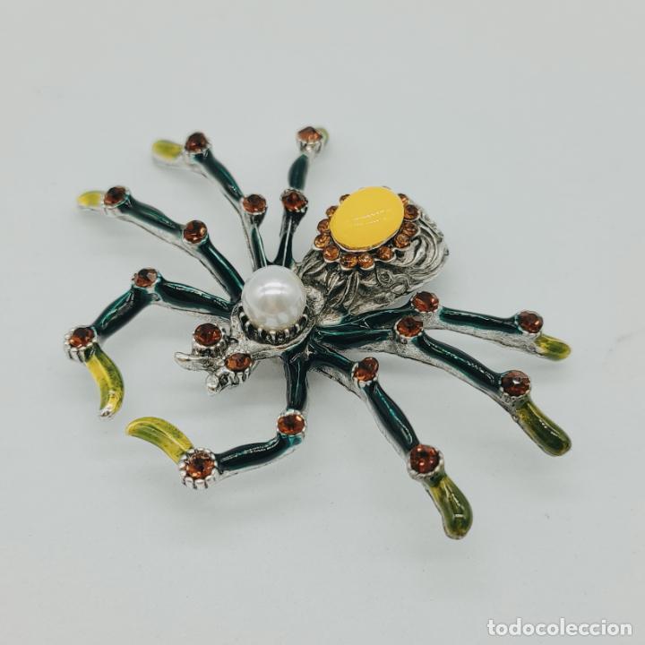 Joyeria: Gran broche colgante tarántula con acabados en plata, esmaltes al fuego, pedrería y perla . - Foto 3 - 277763083
