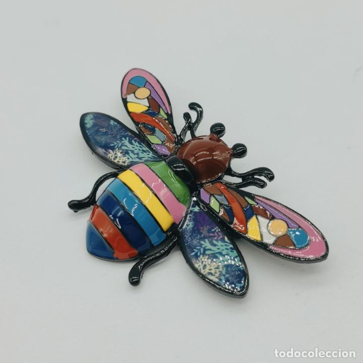 Joyeria: Bello broche colgante insecto de diseño con acabados en rutenio y esmaltes . - Foto 2 - 277764033