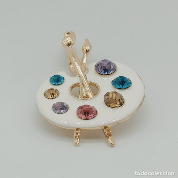 Joyeria: Bello broche colgante paleta de pintor con baño de oro de 18k, pedrería y esmalte . - Foto 3 - 280407903