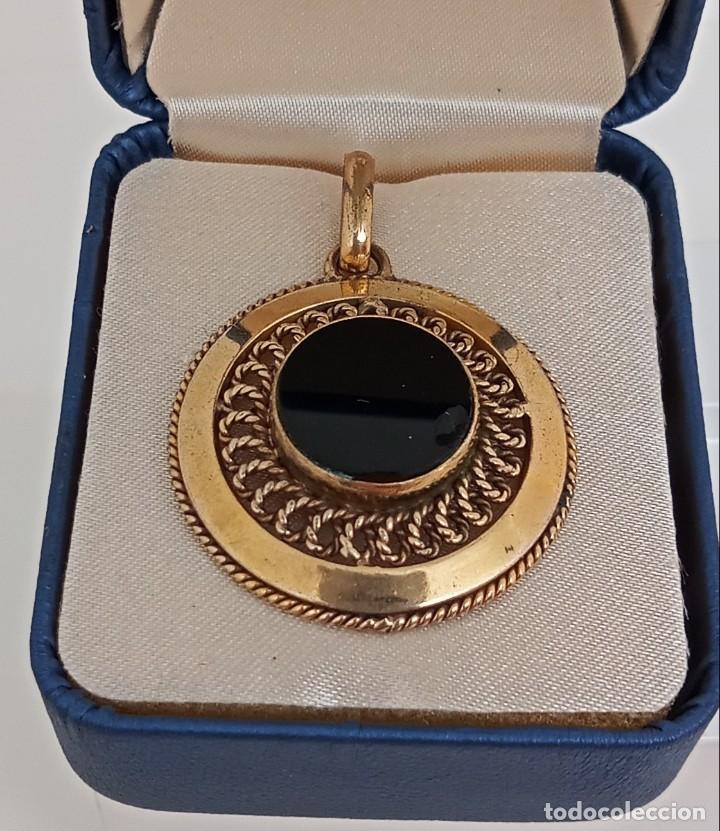 Joyeria: Antiguo colgante filigrana oro laminado y ónix GL circa 1945 - Foto 2 - 284469853