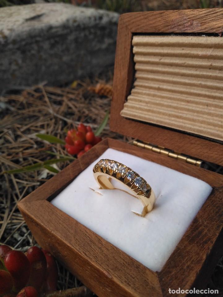 Joyeria: Anillo de compromiso laminado en oro 18k con zirconitas engarzadas - Foto 3 - 287782938