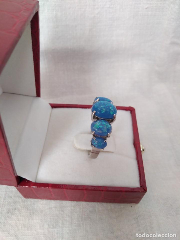 Joyeria: Fantástico anillo acabado en plata con cabujones de ópalo azul - Foto 2 - 287785188