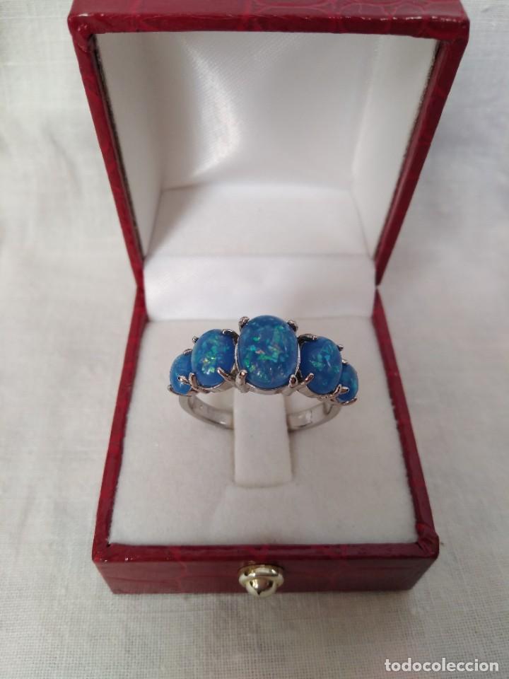 Joyeria: Fantástico anillo acabado en plata con cabujones de ópalo azul - Foto 3 - 287785188