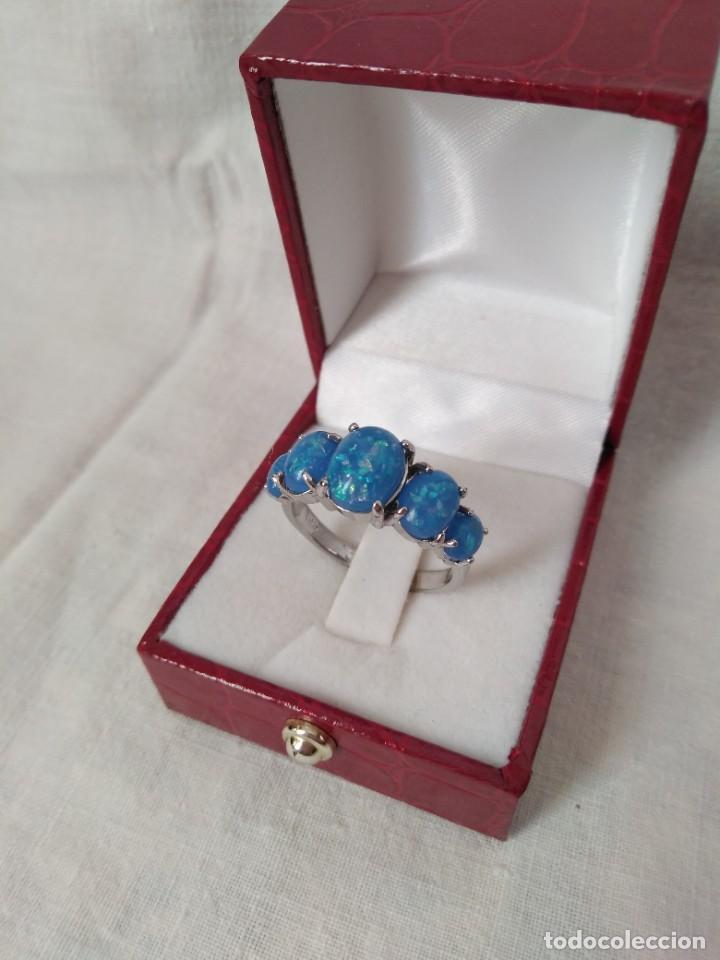 Joyeria: Fantástico anillo acabado en plata con cabujones de ópalo azul - Foto 4 - 287785188