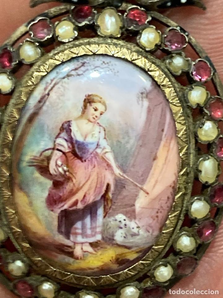 Joyeria: Magnifico broche de colgar en plata, con miniatura pintada - Foto 4 - 288053173