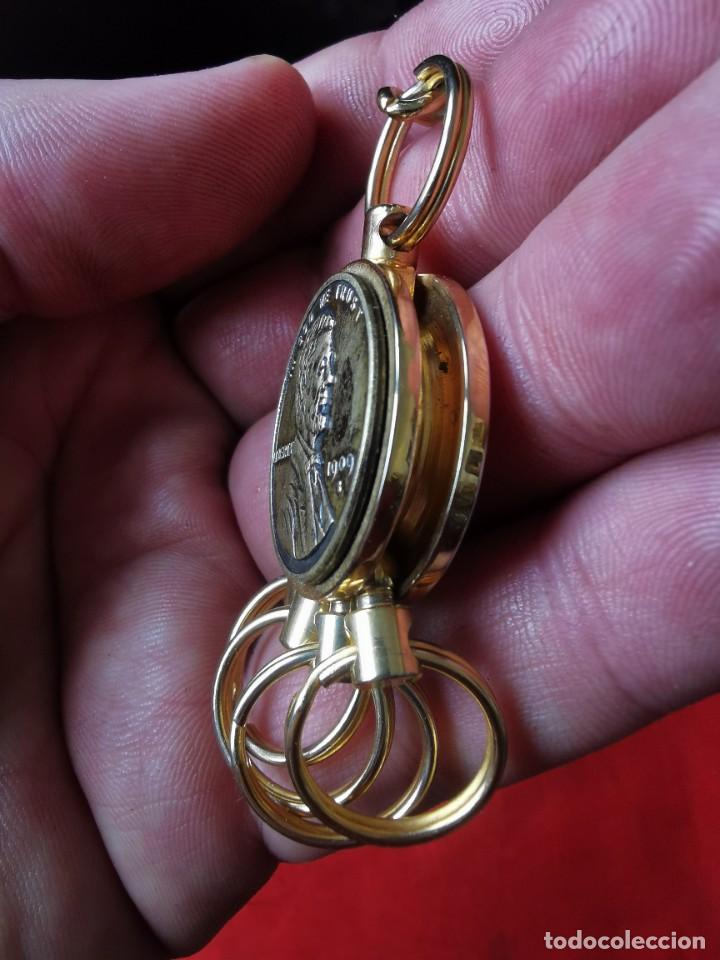 Joyeria: Cadena con dije para llaves o reloj de bolsillo. Moneda Lincoln. 1909.leer bien el anuncio - Foto 9 - 289685193