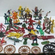 Juegos Antiguos: INTERESANTE LOTE DE MUÑECOS VARIOS CON RUEDAS DE CARRUAJE. Lote 27814459