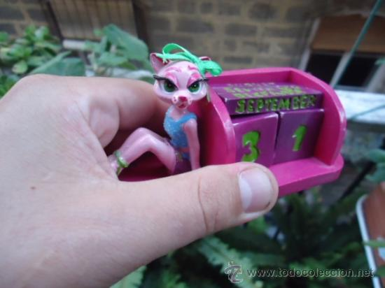 Juegos Antiguos: calendario infantil rosa, para poner todos dias del año y los meses, se cambia diariamente didactico - Foto 2 - 40436284