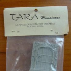 Juegos Antiguos: PUERTA RESINA DE TARA MINIATURAS - 25MM - ROL WARHAMMER. Lote 45774058