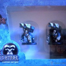 Juegos Antiguos: RACKHAM AT-43 K-FIGHTERS KARMANS UNIT BOX 2 FIGURES PIECES 2 CARDS FIGURAS. Lote 151671322