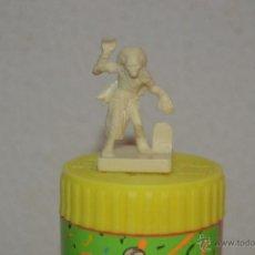Juegos Antiguos: JUEGO DE MESA DUNGEONS & DRAGONS DE PARKER DEL 2003 FIGURA MONSTRUO TUMULARIO ROL. Lote 52162043