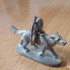 Juegos Antiguos: FIGURA PLOMO LOBO +ORCO - AÑO 1989 - GRENADIER. Lote 89210476