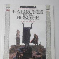 Juegos Antiguos: PENUMBRALADRONES EN EL BOSQUE. Lote 107617783