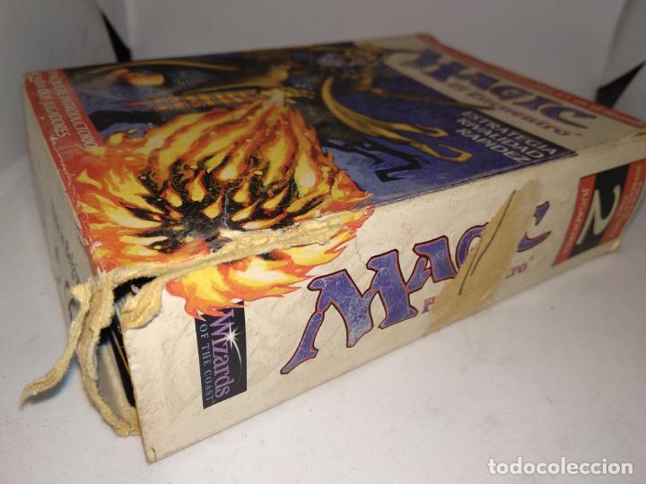 Juegos Antiguos: Magic el Encuentro.El juego de cartas coleccionables nº1 en el mundo.Wizards 1996. - Foto 2 - 150645446