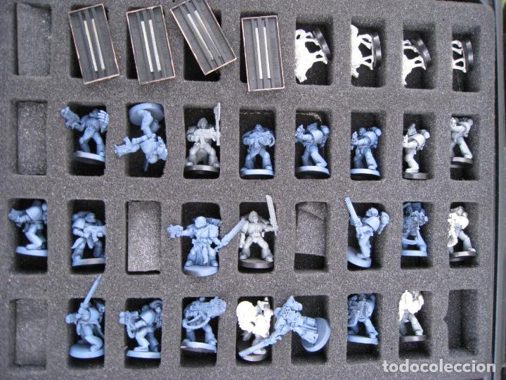 Juegos Antiguos: MALETA CON FIGURAS WARHAMMER. - Foto 8 - 155839354