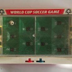 Juegos Antiguos: WORLD CUP SOCCER GAME , FUTBOLIN DE MESA AÑOS 70 , MADE IN CHINA , EN FUNCIONAMIENTO MED 43 X 19 CMS. Lote 161574958