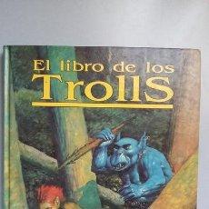 Juegos Antiguos: EL LIBRO DE LOS TROLLS. RUNEQUEST. Lote 168337696