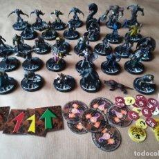 Juegos Antiguos: LOTE 31 FIGURAS Y ACCESORIOS - 2000 WIZKIDS . Lote 180409752