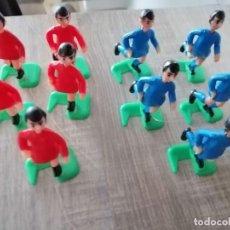Juegos Antiguos: 10 JUGADORES DE FUTBOL PARA MAQUETAS EN PLASTICO DURO. MADIDA 6 CM DE ALTURA.. Lote 186229620
