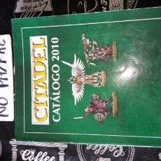 Juegos Antiguos: CATÁLOGO FIGURA MUÑECO CITADEL 2010 PÁGINAS MÁS DE 600 GAMES WORKSHOPS. Lote 187583572