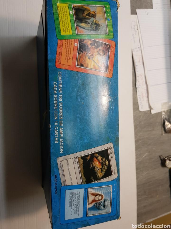Juegos Antiguos: Lote La Ira del Dragón Completo 4 barajas precintadas,sobres y el difícil expositor - Foto 5 - 172109255