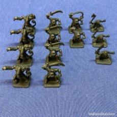 Juegos Antiguos: LOTE DE 13 FIGURAS HERO QUEST - HEROQUEST - GOBLIN - PLÁSTICO. Lote 220099665