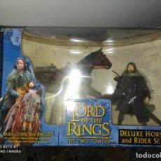 Juegos Antiguos: EL SEÑOR DE LOS ANILLOS // THE LORD OF THE RINGS DELUXE HORSE AND RAIDER SET. Lote 238850295