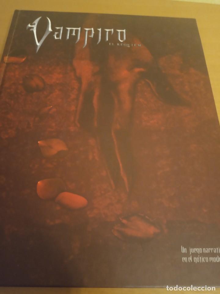 Juegos Antiguos: Vampiro- El Requiem- Libro de rol más pantalla del narrador. En perfecto estado - Foto 5 - 284590503