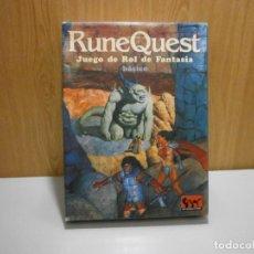 Juegos Antiguos: INTERNACIONAL RUNE QUEST JUEGO DE ROL DE FANTASIA BASICO COMPLETO. Lote 289803893
