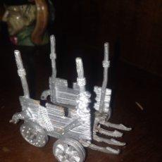 Juegos Antiguos: CARRO DE WARHAMMER PLOMO. Lote 56107712