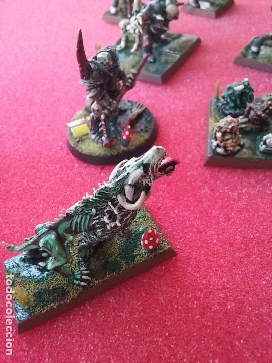Lote ejércitos del caos bestias barbaros warhammer fantasy pintadas maletín + libro Hordas del Caos, usado segunda mano