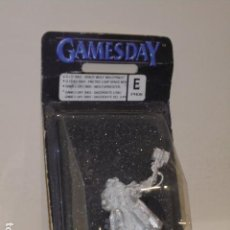 Juegos Antiguos: WARHAMMER SACERDOTE LOBO MINIATURA PROMOCIONAL GAMES DAY 2003 PRO8 - GAMES WORKSHOP. Lote 121891063