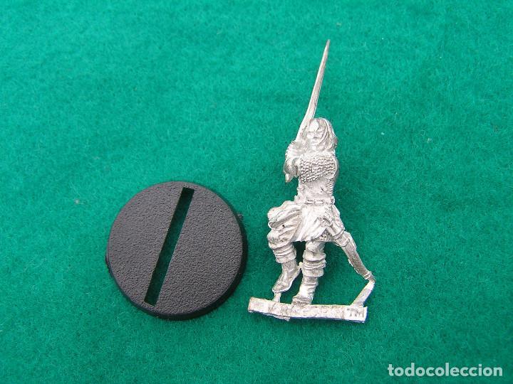 Figura de metal ARAGORN de El Señor de los Anillos Warhammer. Nuevo. segunda mano