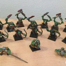 Juegos Antiguos: WARHAMMER- ORCOS CON ARMAS. Lote 143755924