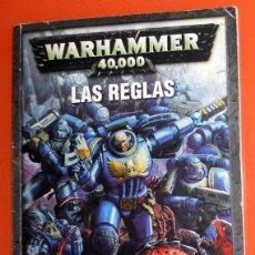 Juegos Antiguos: REVISTA LIBRO WARHAMMER 40000 LAS REGLAS TRASFONDO REGLAMENTO 2004 GAMES WORKSHOP ESPAÑA JUEGOS ROL. Lote 160824186